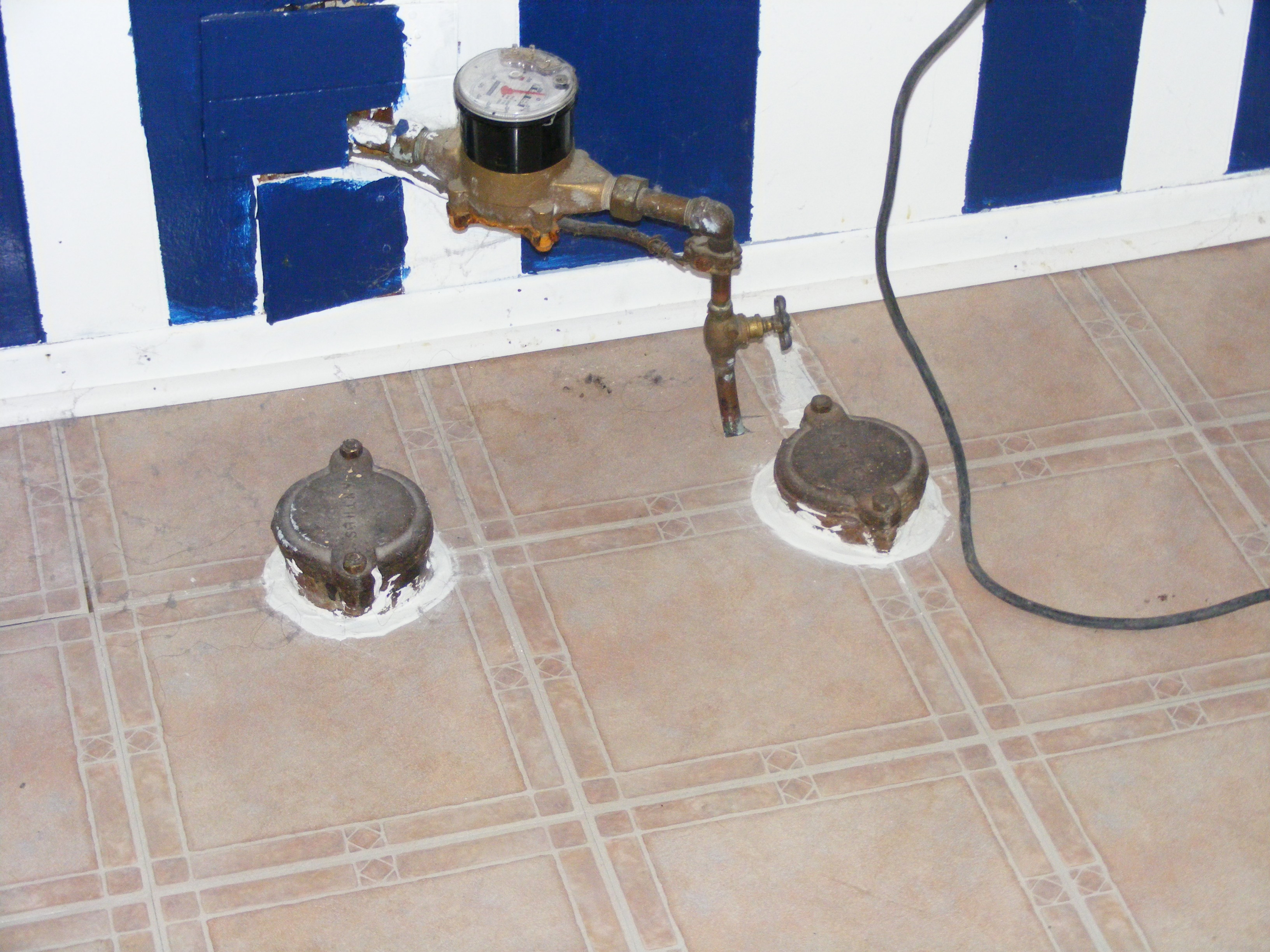 old-building-traps-on-sewer-and-storm-pipe
