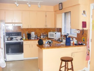 1-kitchen-before-reno