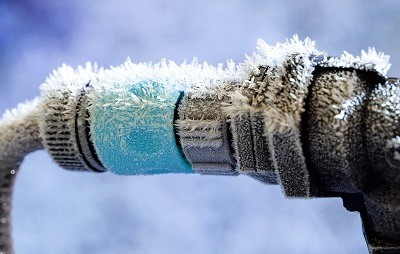 Frozen water pipe connection